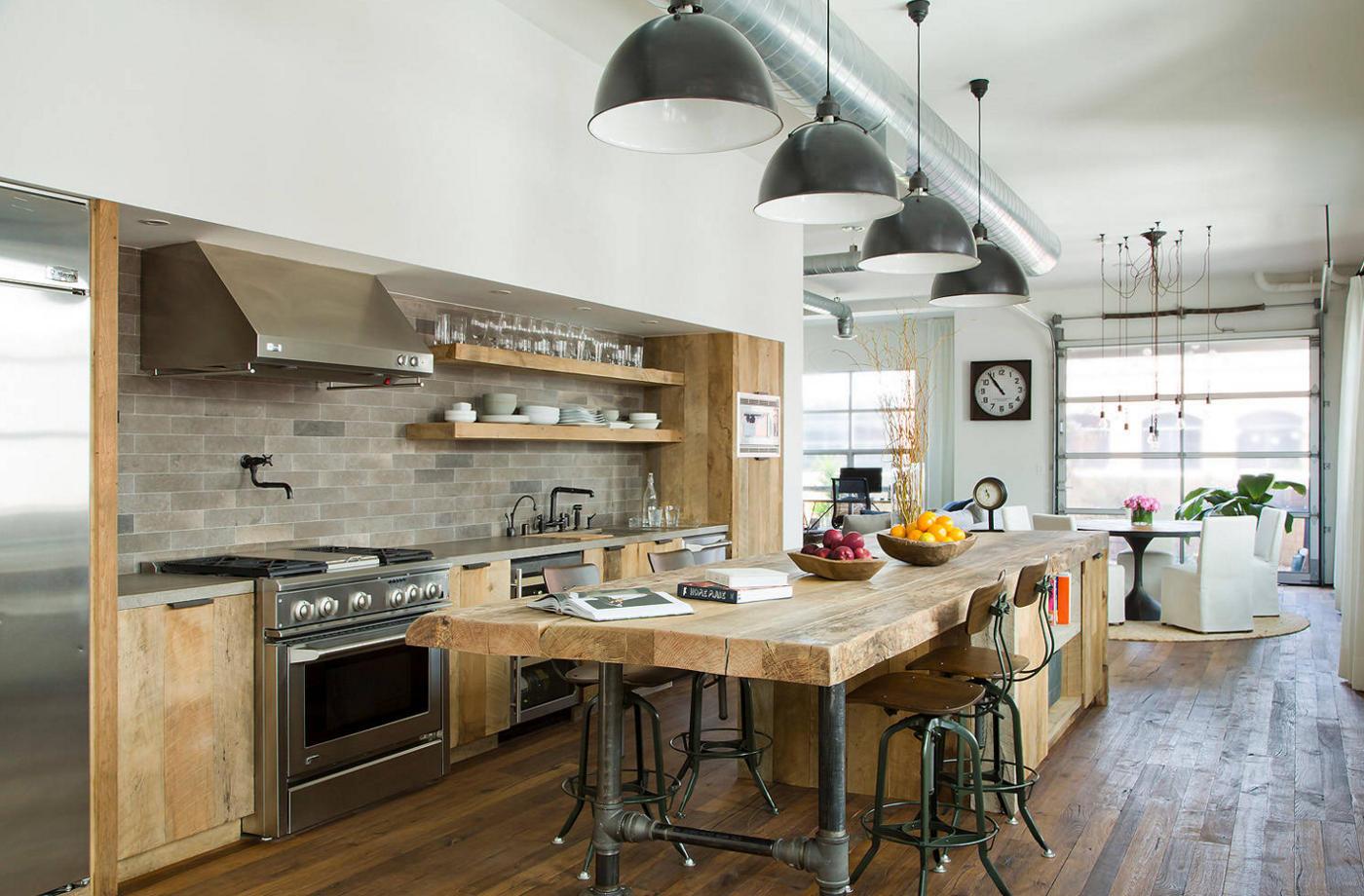 Kuchyňa zariadená v industriálnom štýle