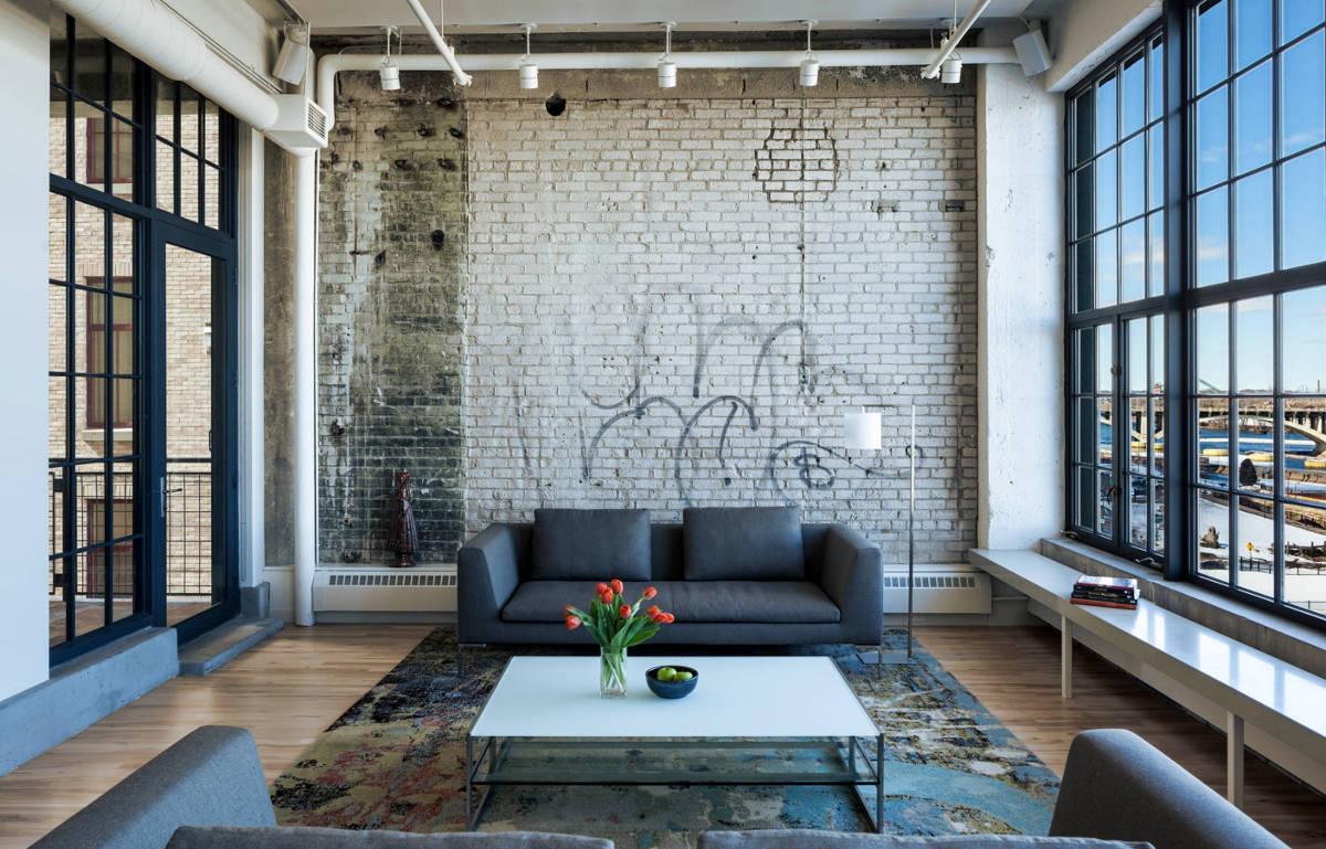 Obývačka zariadená v industriálnom štýle