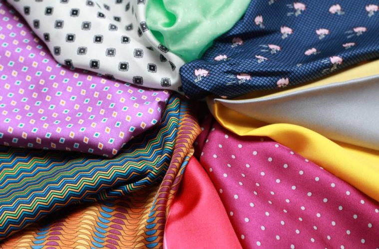 Buďte štýlový s vreckovkou v saku