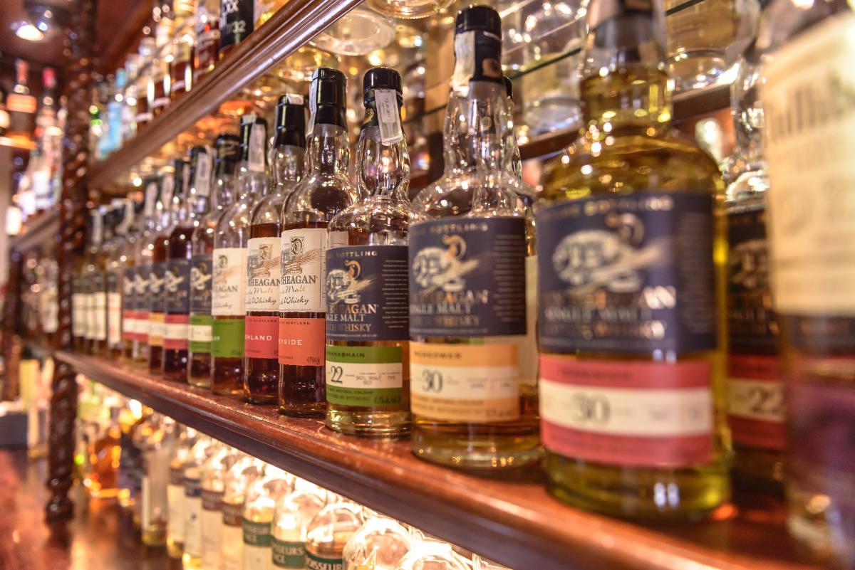 Ponuka whisky vo Whisky Bare 44