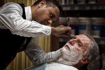 Ukážka holenia s britvou